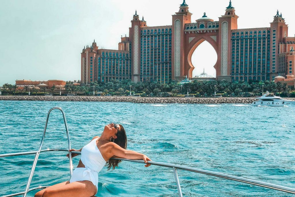 Dubai yacht, Dubai Atlantis, Yacht life