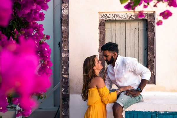 Travelling as a couple, Santorini flowers