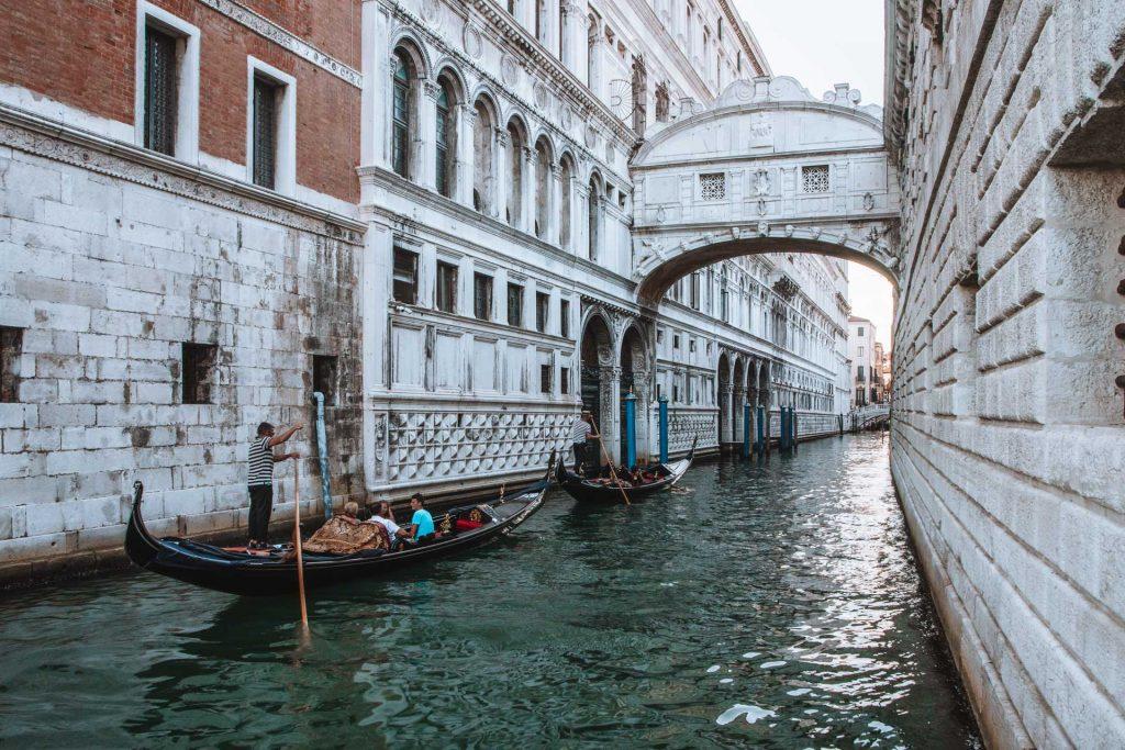 Venice, Venice blog,Bridge of Sighs, Venice bridge, Venice in one day, one day itinerary Venice, Venice canals, Gondola in Venice
